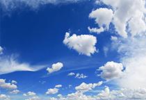 蓝天白云半透着阳光