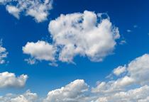 蔚蓝色的天空白云