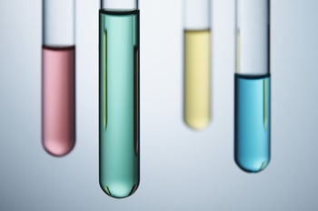 装了不同颜色液体的试管