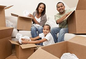 一家人搬家用的瓦楞纸箱